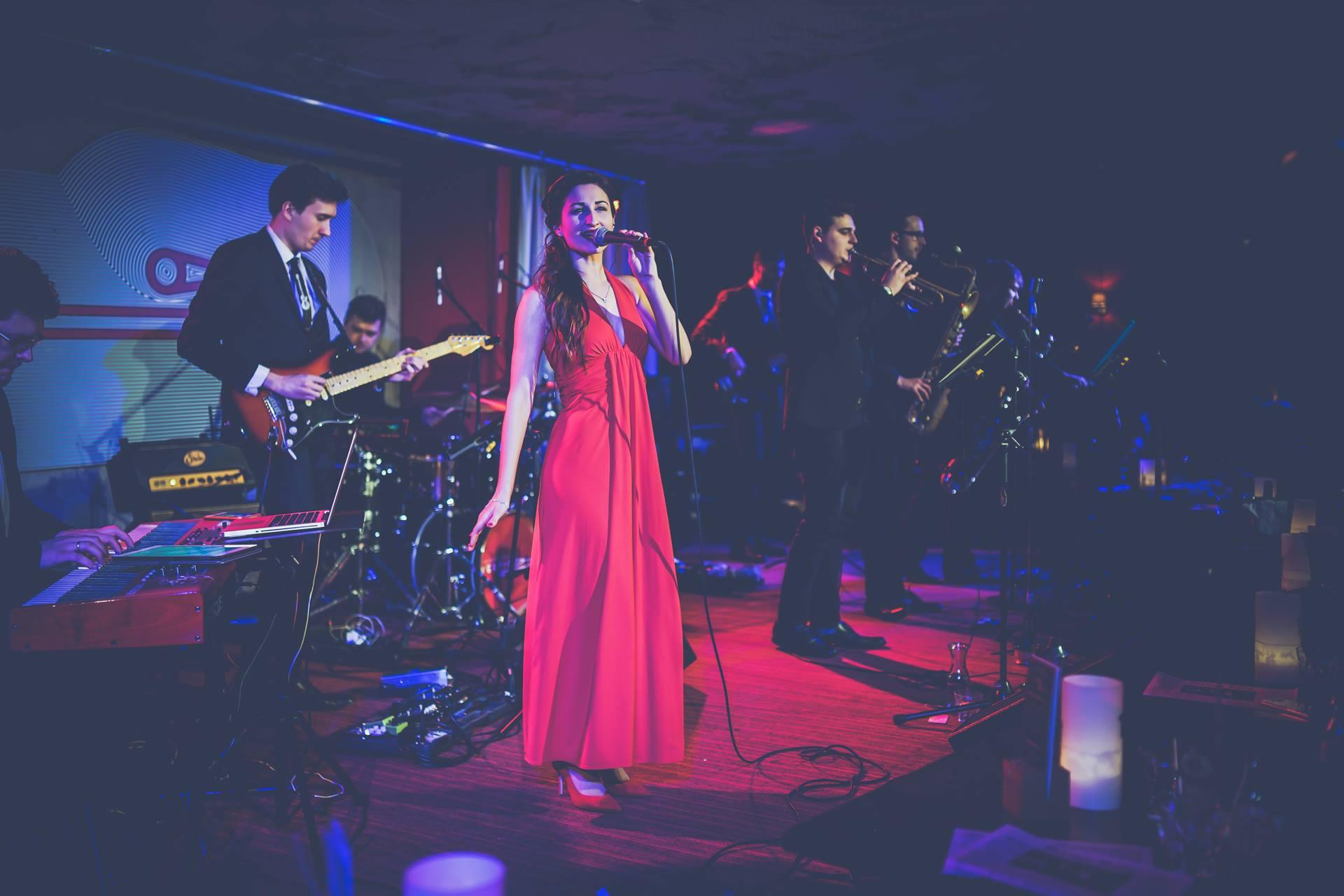 Vertigo Band - Casino Royal
